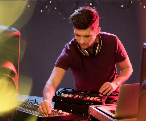 Feiern im Norden die besten DJs aus Lübeck und Co