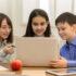Sie erfahren was 2020 bei der Digitalisierung für Schulen getan wird. Außerdem erfahren Sie, welche Auswirkungen das auf die Schüler hat.
