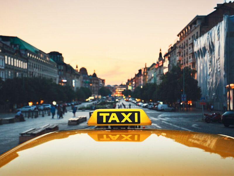 Entwicklung der Kosten im Taxi pro Kilometer der letzten 20 Jahre
