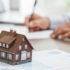 In diesem Blogartikel geht es um das Thema Immobilien kaufen. Wir geben Ihnen einen Überblick über 5 entscheidende Ratgeber zu diesem Thema.