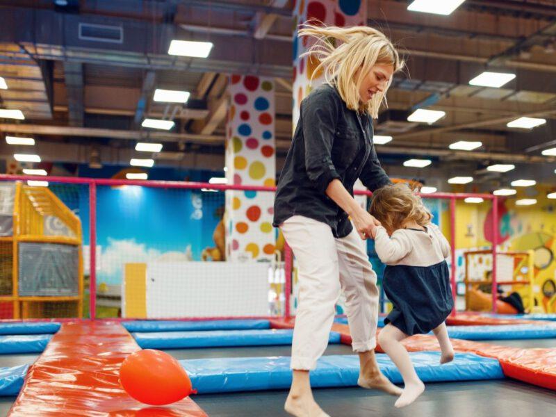 Wie Trampolin-Fitness zum Trend wurde und immer mehr professionelle Trampolinhallen entstehen