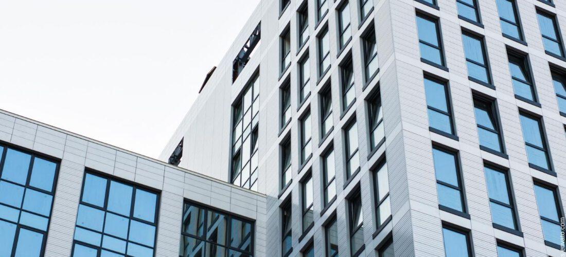 Wie Architekturfotografen Ihr Firmengebäude fürs Marketing in Szene setzen