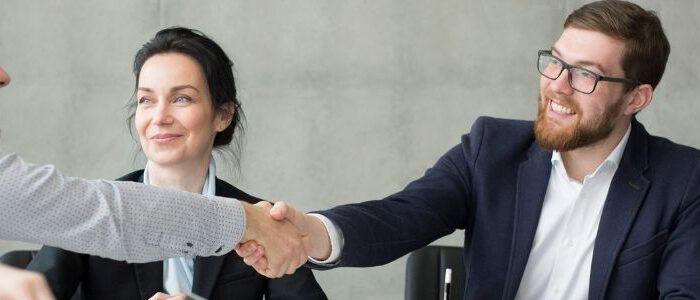 So beeinflussen verschiedene Führungsstile in Unternehmen den Erfolg